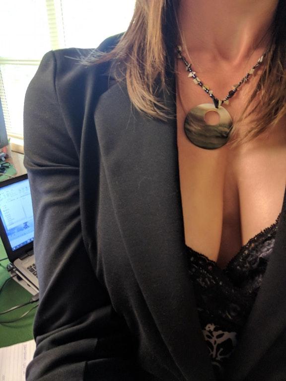 karriärkvinna söker erotiska möten på hotell